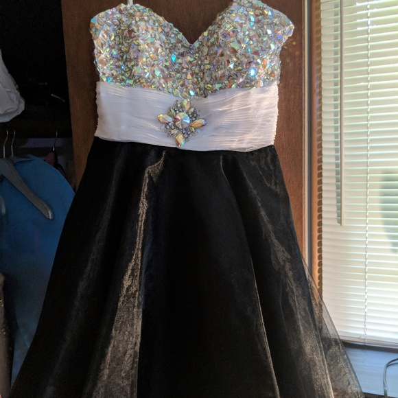 Dresses & Skirts - Prom/Homecoming/Winter Formal Dress